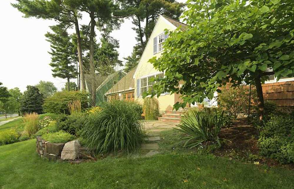 Burlington Hill Section Gardens - Church Hill Landscapes
